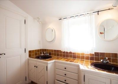 maison-st-tropez-chambre-salle-de-bain